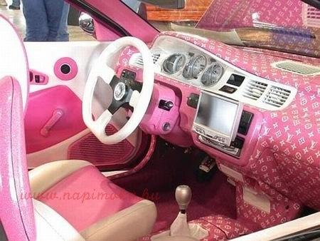 egy igazi csajos autó belülről
