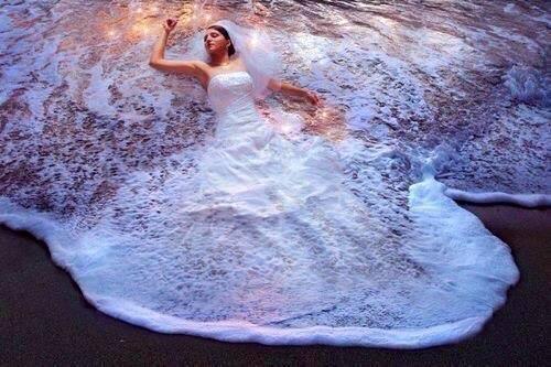 Különleges Menyasszonyi ruha