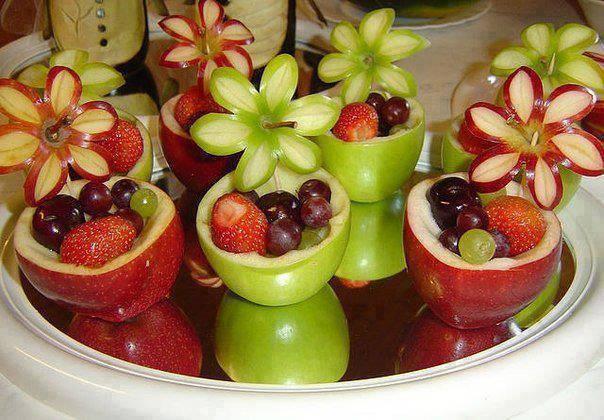 Gyümölcsös virágkosár